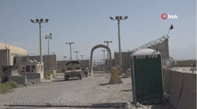 """Afgan komutan: """"ABD birlikleri Bagram Hava Üssü'nü sessizce terk etti"""""""
