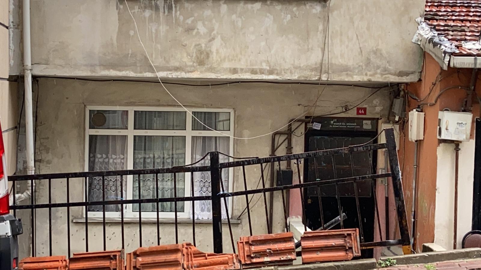 İstanbul'da Şüpheli Ölüm: Hint Keneviri Yetiştiren Şahıs Evinde Ölü Bulundu