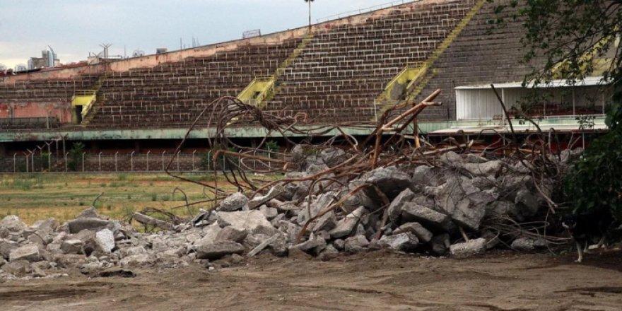 Cebeci Stadı'nın yıkımına başlandı