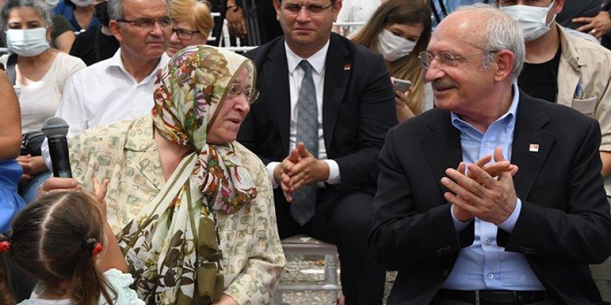 Kılıçdaroğlu, Kıymet Teyze ile birlikte park açılışı yaptı