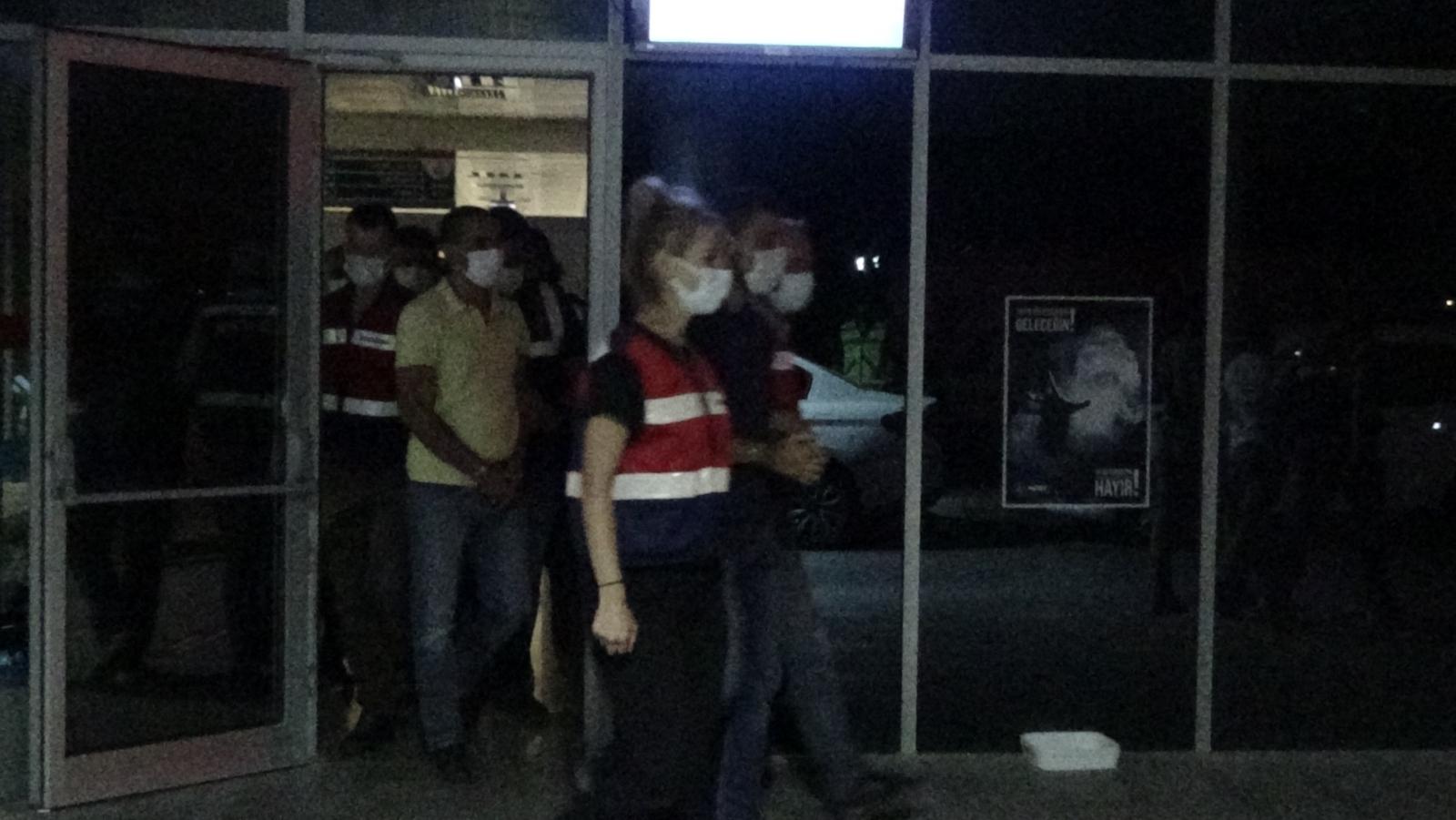İzmir Merkezli 47 İlde FETÖ Operasyonu: 229 Gözaltı Kararı