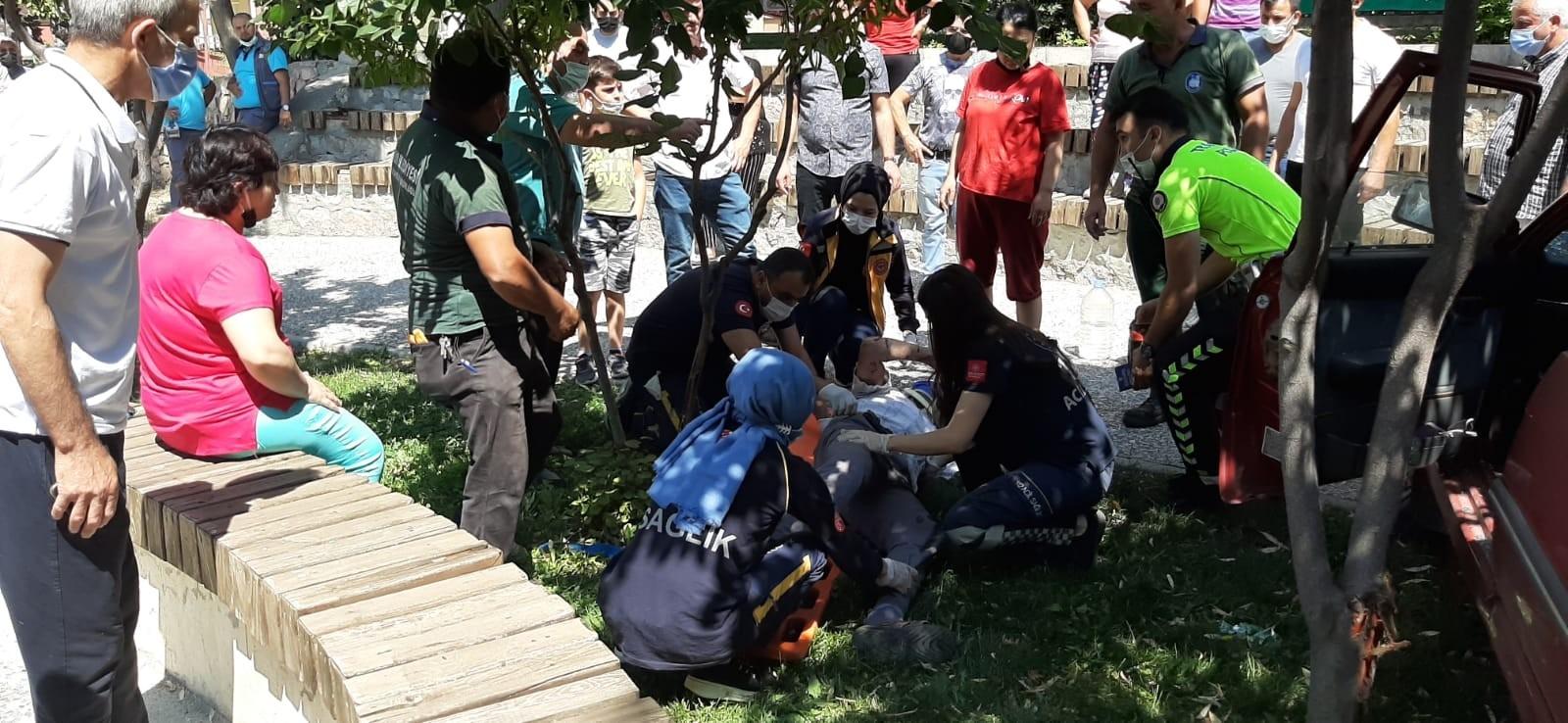 Çorum'da Otomobil Çocuk Parkına Daldı: 1 Yaralı