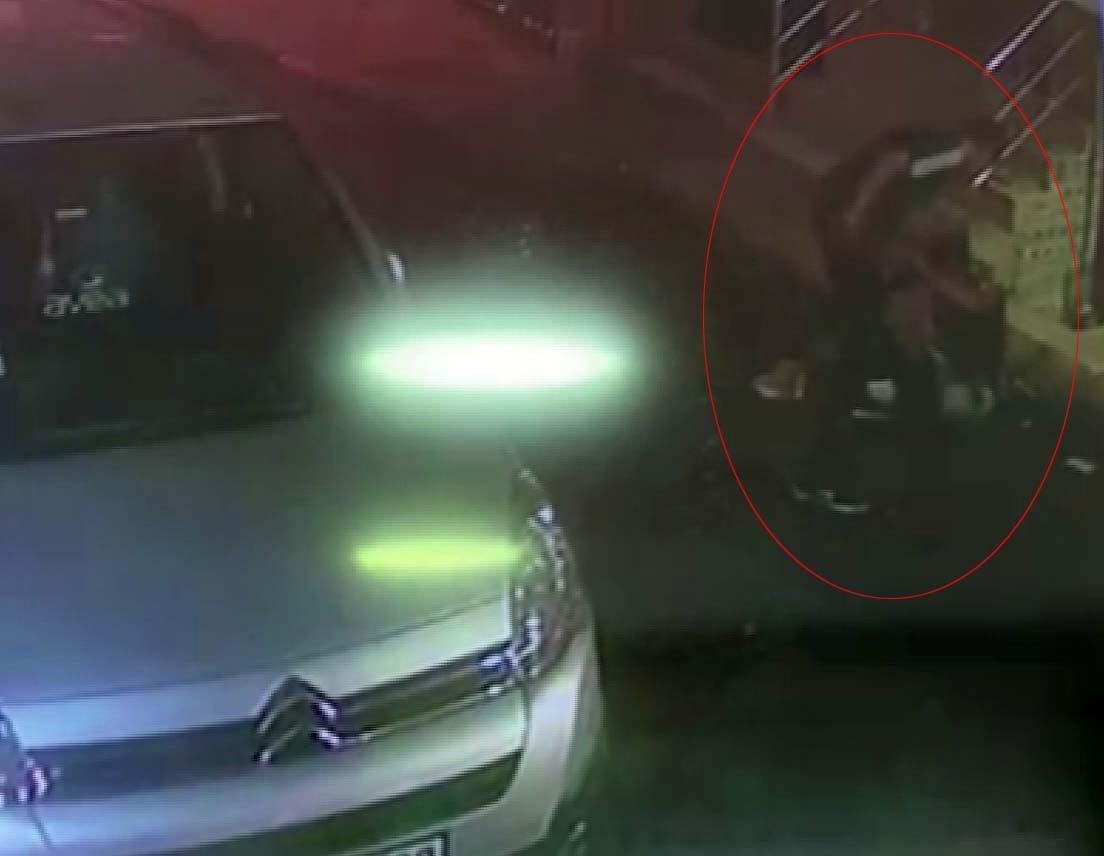 Esenler'de Gaspçı Dehşeti, Yabancı Uyruklu Şahsı 6 Yerinden Bıçakladı
