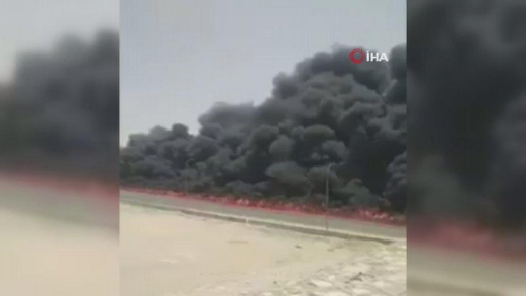 Mısır'da Akaryakıt Tankeri Alev Alev Yandı
