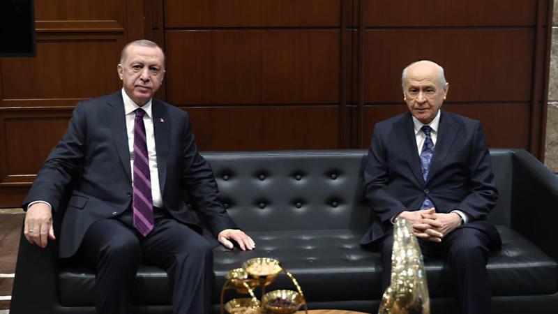 Yeniçağ yazarı Uğuroğlu'ndan Erdoğan ve Bahçeli'ye Sert Sözler