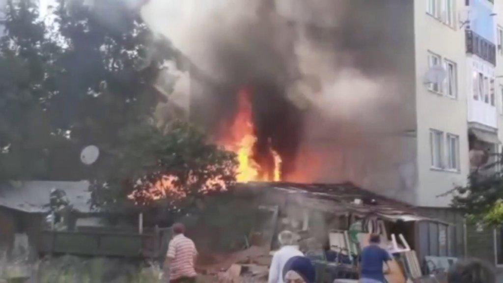 Bursa'da Korkutan Yangın Ev Alevlere Teslim Oldu