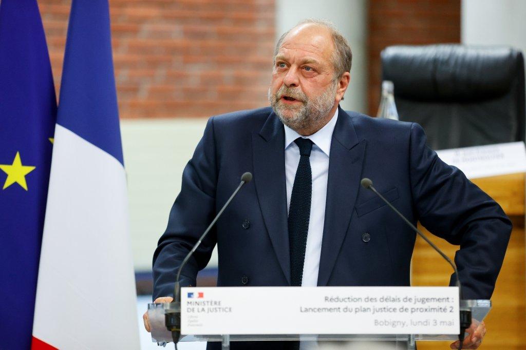 Fransa Adalet Bakanı Hakkında Soruşturma Başlatıldı