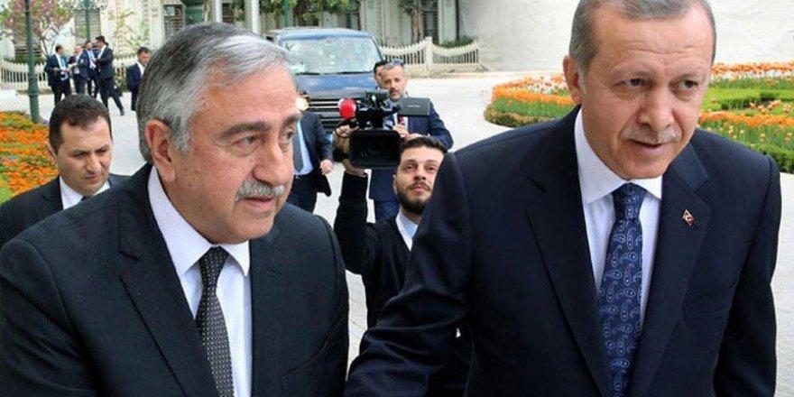 KKTC eski Cumhurbaşkanı Akıncı'dan Erdoğan'a külliye tepkisi