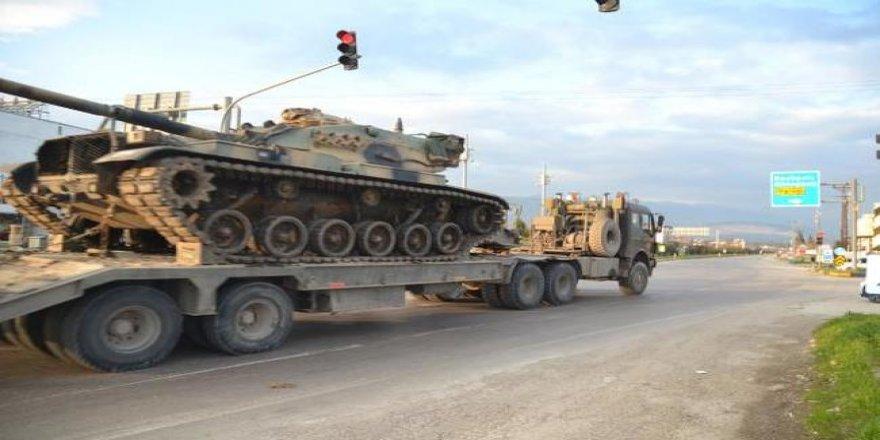 Hatay'dan sınır birliklerine sevkiyat sürüyor