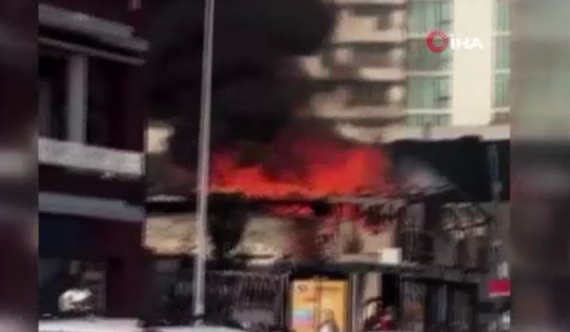 Tarabya sahilinde metruk binada yangın çıktı