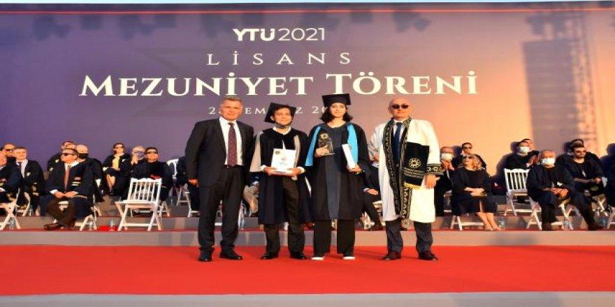 Turkcell Genel Müdürü Erkan, Yıldız Teknik Üniversitesi'nde Yeni Mezunlarla Bir Araya Geldi