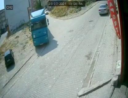 Esenyurt'ta hafriyat kamyonu faciasından kıl payı dönüldü: O anlar kamerada
