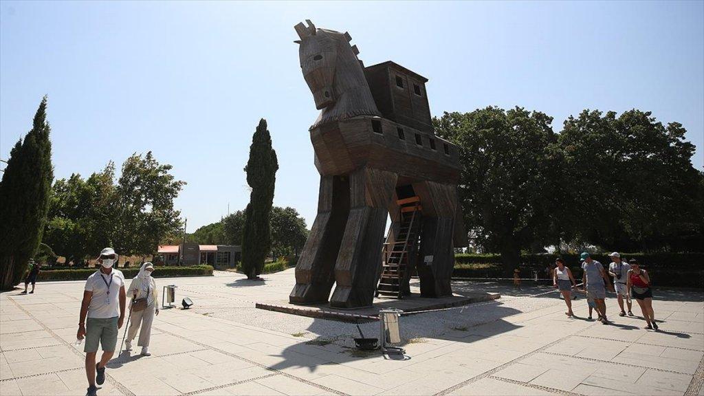 Troya'da 150 Yıl Sonra Schliemann'ın Tahribatları Giderilmeye Çalışılıyor