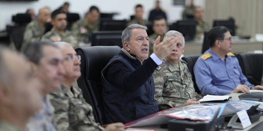 Akar: Sabah 4'te başlattığımız Pençe Hava Operasyon Planı ile teröristlerin peşindeyiz