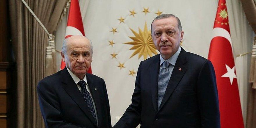 Ak Parti kaybetti MHP kazandı