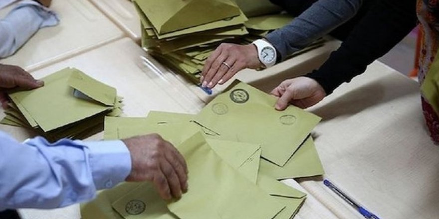 İstanbul seçimlerinin kaderini değiştirecek karar YSK'dan döndü