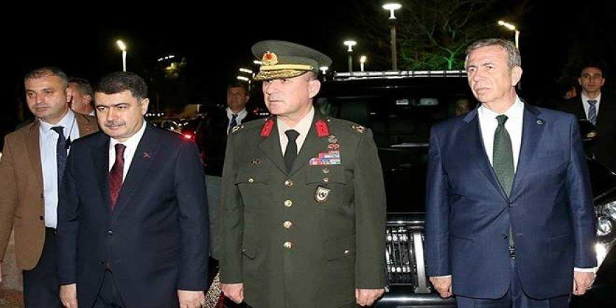 Cumhurbaşkanı Erdoğan, Rusya'dan döndü, Yavaş karşıladı
