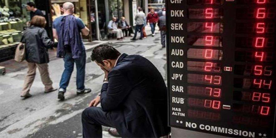 Para birimi uzmanı: İşler lira için daha da kötüleşecek, yıl sonu dolar 6.10