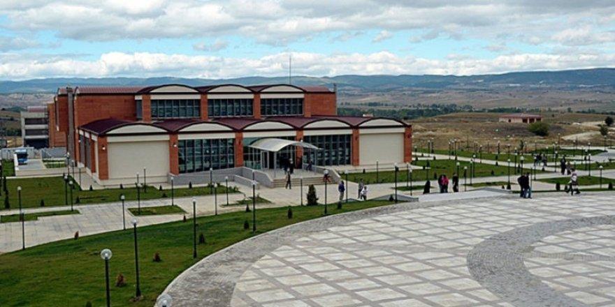 Kastamonu Üniversitesinin ışıkları 'Dünya Saati' için kapandı