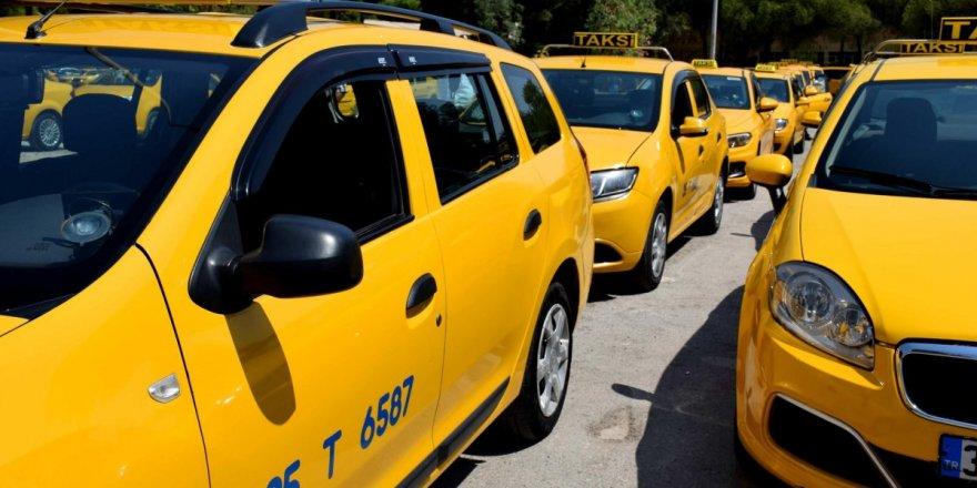 Taksicilerin yaş sınırı değişti