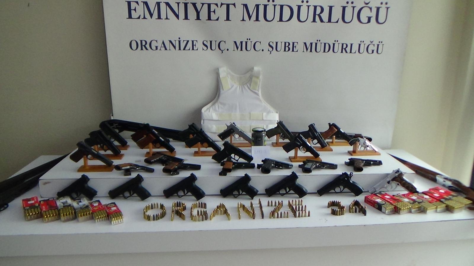 Silah kaçakçılarına operasyon: 23 gözaltı