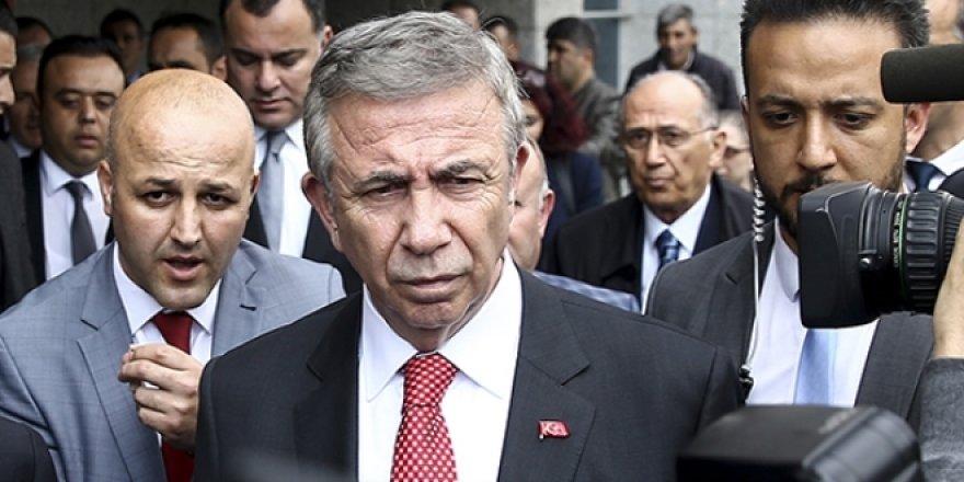 Mansur Yavaş, Büyükşehir'de 12 birime atama yaptı
