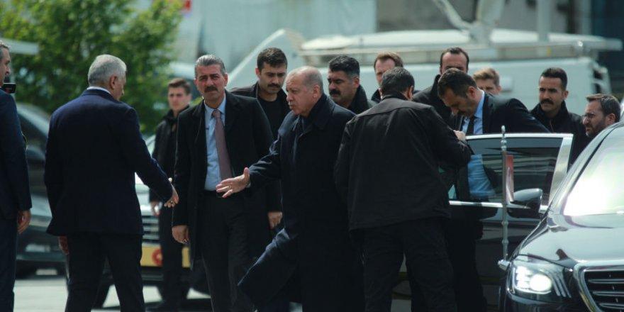 Erdoğan AK Parti İstanbul İl Başkanlığı'nda