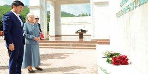 Cengiz Aytmatov mezarı başında anıldı
