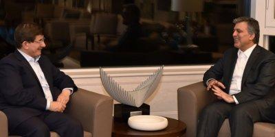 Bakan Mustafa Varank'tan Ahmet Davutoğlu ve Abdullah Gül'e sert tepki