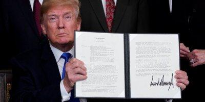 Trump, İran'a yeni yaptırımlar içeren kararnameyi yayımladı