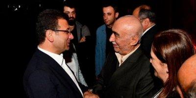 Ekrem İmamoğlu, Şener Şen'in başrolünü oynadığı 'Zengin Mutfağı'nı izledi