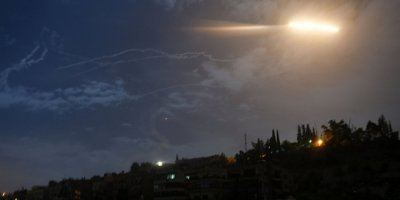 Suriye hava savunması, İsrail'in füze saldırısını püskürttü