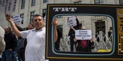 TRT çalışanları eyleme çıktı: Siyasi kadrolaşmaya hayır