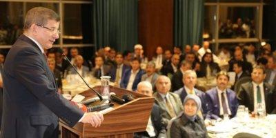 Eski Başbakan Davutoğlu Ankara Dostları Platformu'nun Düzenlediği İftar Programında Konuştu