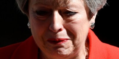 İngiltere Başbakanı Theresa May İstifa Edeceğini Açıkladı
