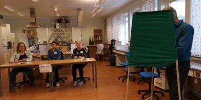 Avrupa Parlamentosu Seçimleri: Merkez Sağ ve Merkez Sol Gerilerken Liberaller, Yeşiller ve Aşırı Sağcılar Yükselişte