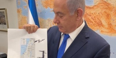 Netanyahu, İsrail'in Golon Tepeleri'ni İşgalini Gösteren Yeni Haritasını Tanıttı