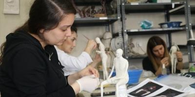 Öğrenciler Çöpü Sanata Dönüştürüyor