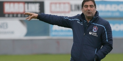 Trabzonspor'da Ünal Karaman Sözleşmeyi İmzalıyor
