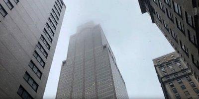 New York'ta Helikopter 54 Katlı Binaya Çarptı