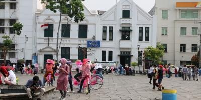 Cakarta'nın Tarihi Ve Kültürel Eski Şehir Merkezi: Kota Tua