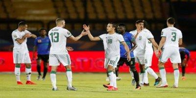 Slimani, Cezayir Formasıyla Afrika Kupası'nda Şov Yaptı! 1 Gol 2 Asist