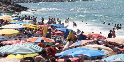 Akçakoca'ya Turist Akını! Adım Atacak Yer Kalmadı