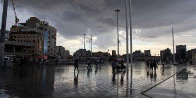 Meteoroloji'den Son Dakika Uyarısı! Balkanlardan Serin Havayla Birlikte İstanbul'da Yağış Bekleniyor