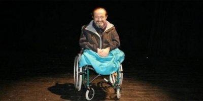 Ünlü Tiyatrocu Parkan Özturan Hayatını Kaybetti