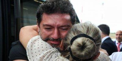 Mehmet Hakan Atilla Döndü, Albayrak Kapıda Karşıladı