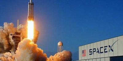 SPACEX, İSRAİL'İN AMOS 17 HABERLEŞME UYDUSUNU UZAYA GÖNDERDİ