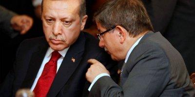 Taşgetiren'den AK Parti'ye Davutoğlu uyarısı: Zaman oturup muhasebe yapma zamanı