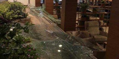 KKTC'de Askeri Cephanelikte Patlama, 2 Bin Turistler Mahsur Kaldı