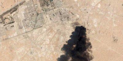 İran Cumhurbaşkanı Ruhani: Yemenlilerin Suudi Petrol Tesislerine Saldırısı Bir Uyarı